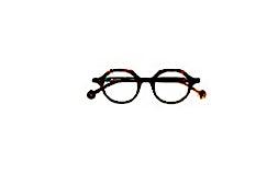 profile photo of Claire Randall (Eyewear Specialist) Optometrists OCULA Merivale